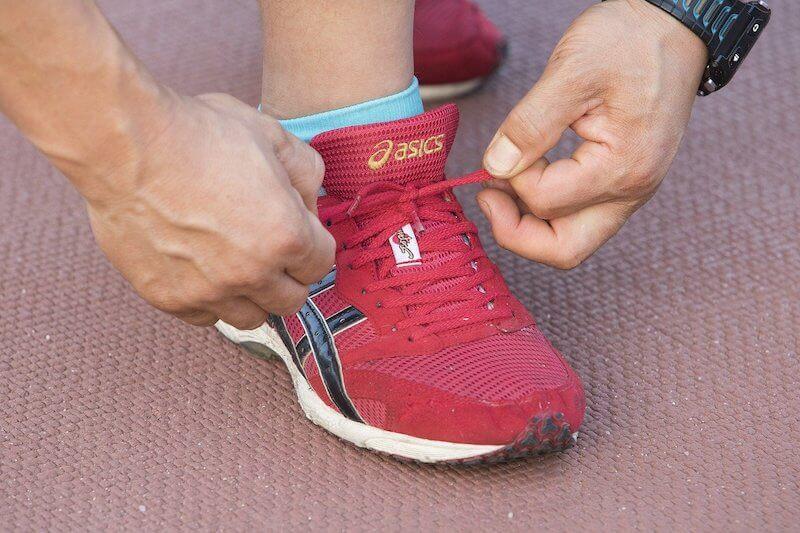 tying a shoe